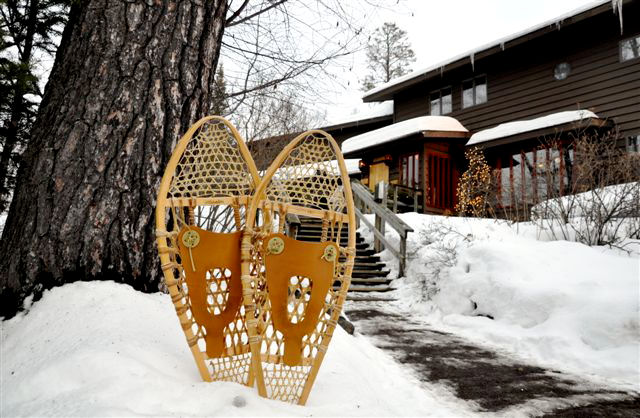 lodge snowshoes